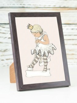 A6-Little ballet girl